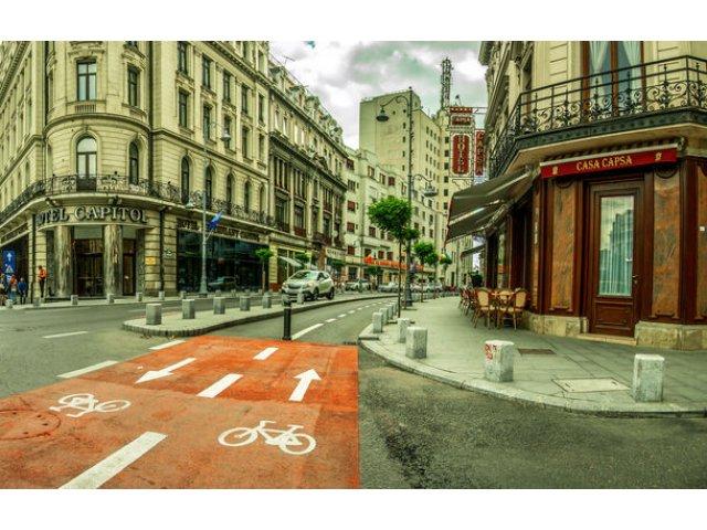 Primaria Capitalei promite 48 de kilometri de piste de biciclete in urmatorii 3 ani: 4 trasee cu 420 de locuri de parcare