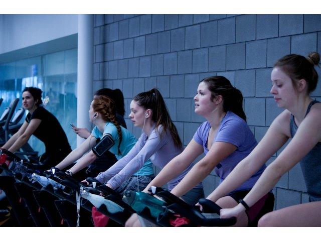 6 motive intemeiate care te vor determina sa faci cat mai des exercitii pe bicicleta de fitness