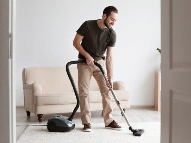 Ce faci cand ai musafiri nepoftiti si trebuie sa faci curatenie in 15 minute sau mai putin