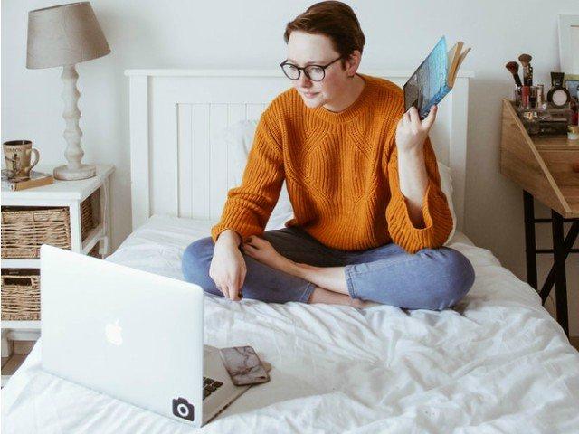 9 lucruri productive si inteligente pe care le poti face online