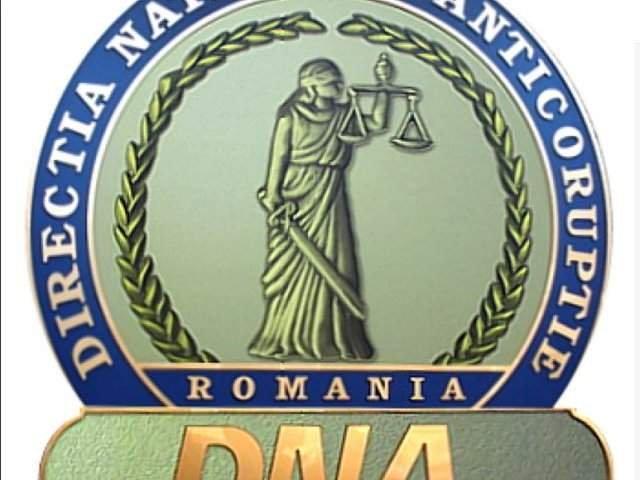 DNA: Profesor de la Academia de Politie din Capitala, trimis in judecata dupa ce a dat unor studenti subiecte la licenta