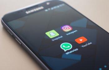 Momo Challenge: Un parinte da in judecata YouTube, WhatsApp si statul francez dupa moartea fiului sau