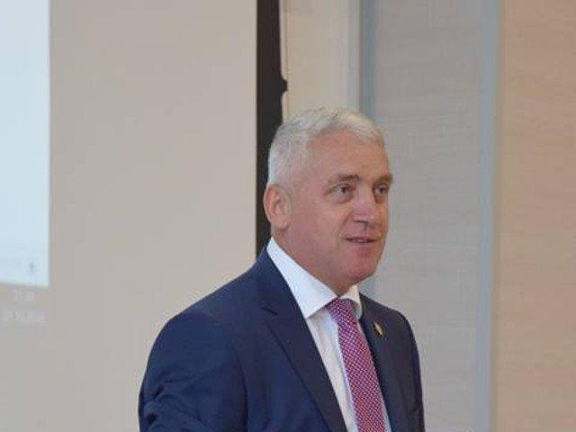 Organizatia judeteana a PSD Dambovita cere revocarea hotararii de excludere din partid a lui Adrian Tutuianu