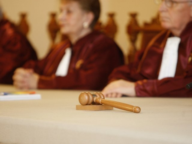 CCR: Exista conflict intre Parlament si Inalta Curte pe tema constituirii completurilor de 5 judecatori