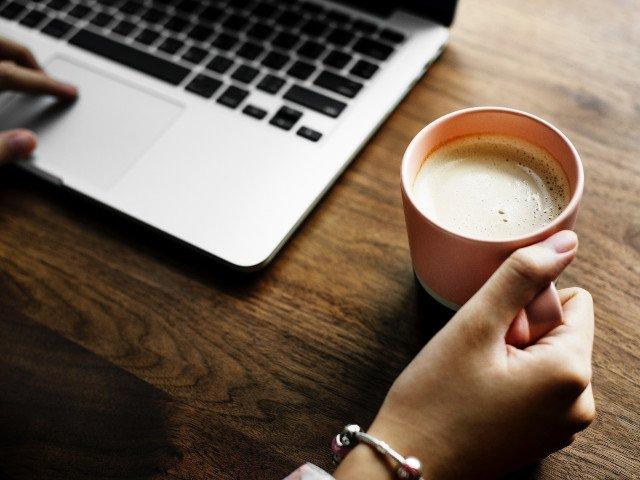 Studiu: Consumul de cafea ar putea reduce riscul de aparitie a bolilor Alzheimer si Parkinson