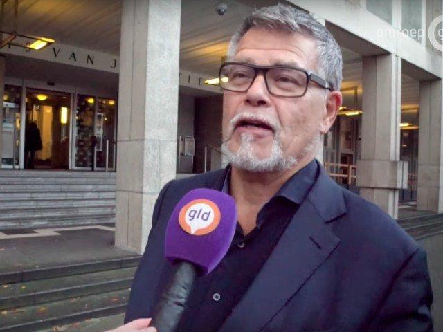 Un barbat de 69 de ani vrea sa isi schimbe legal varsta din buletin pentru a fi mai tanar cu 20 de ani