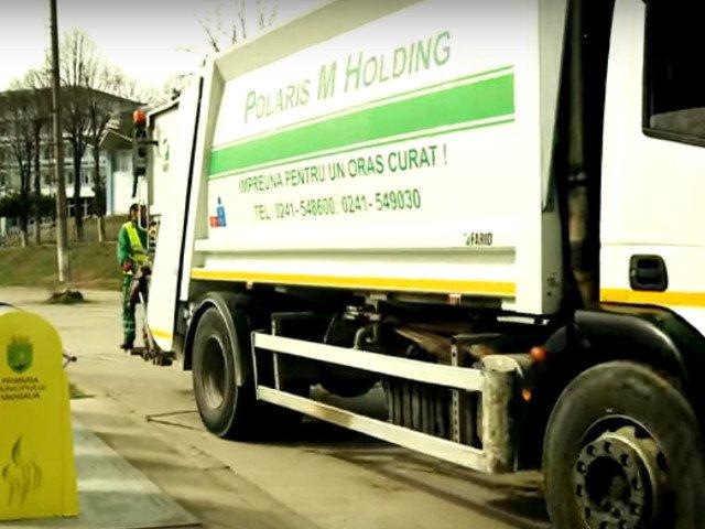 Un angajat al companiei de salubrizare Constanta a fost accidentat mortal de masina de gunoi pe care o incarca