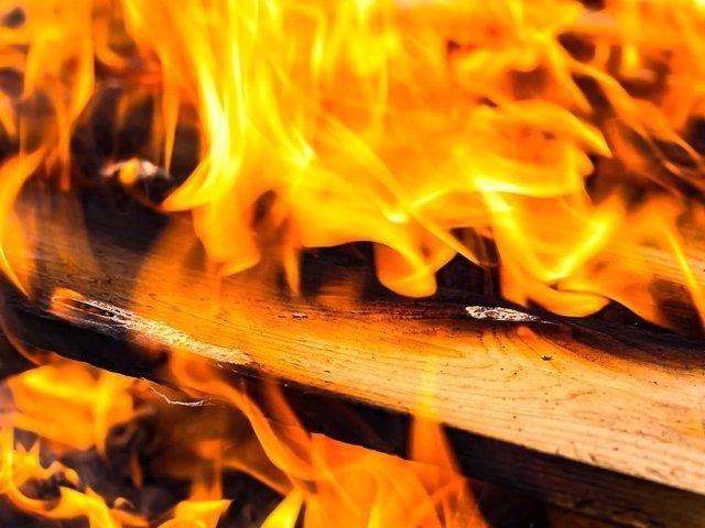 Incendii violente in California, soldate cu 9 morti. Lady Gaga, Alyssa Milano si Kim Kardashian, nevoite sa-si abandoneze locuintele