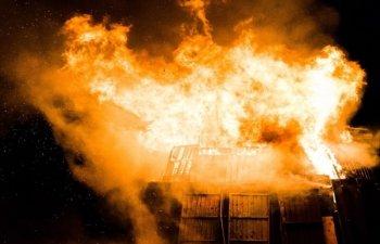 Incendii in California: Vantul intens contribuie la propagarea flacarilor care au ucis 31 de persoane/ VIDEO