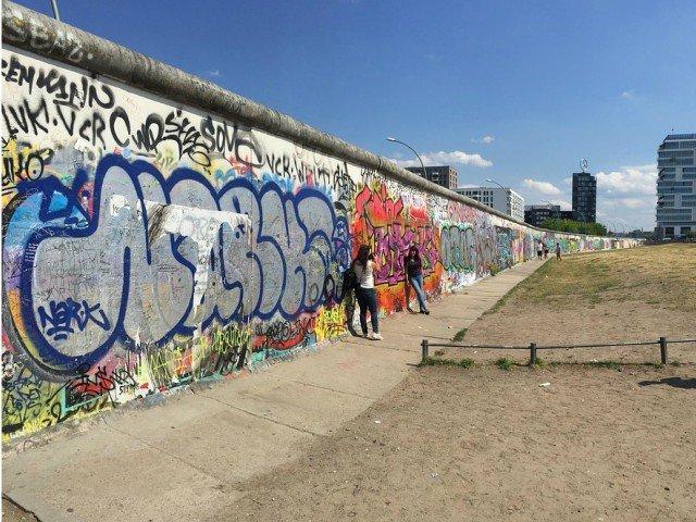 10+ detalii nestiute despre viata germanilor inainte de caderea Zidului Berlinului