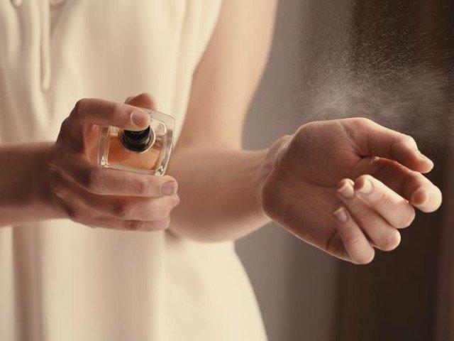 10+ cele mai ieftine parfumuri de lux lansate de vedete