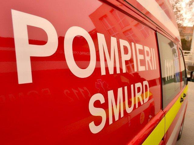 Doi oameni au fost gasiti carbonizati intr-un autoturism rasturnat pe o sosea din Arad