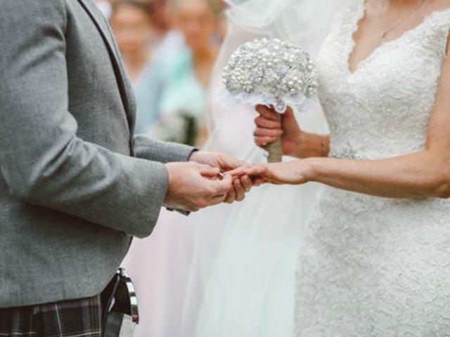 O mireasa a citit mesajele de infidelitate ale viitorului sot in locul juramintelor de nunta