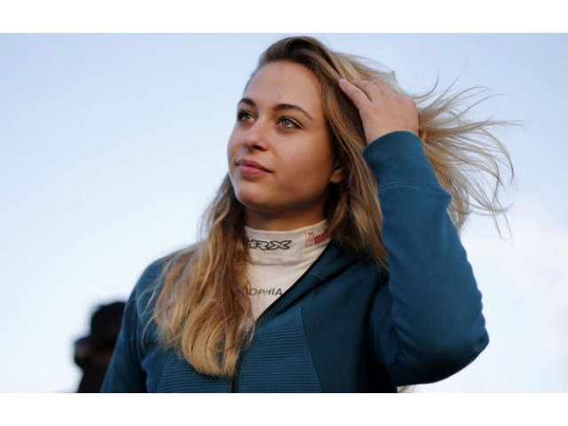 Accident grav in cursa de Formula 3 de la Macau: Sophia Floersch a suferit leziuni la coloana vertebrala dupa ce a ramas fara frane la 276 km/h