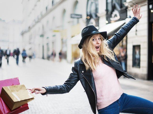 Mereu in tendinte: 10 articole vestimentare care nu se demodeaza