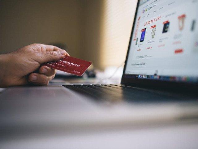 8 produse pe care nu ar fi indicat sa le cumperi online