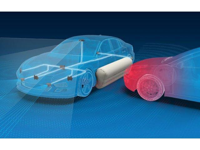 Producatorii ar putea introduce airbag-uri externe pentru coliziuni laterale cu alte masini: gravitatea accidentelor, redusa cu 40%