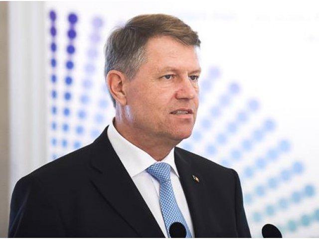 Klaus Iohannis propune doua scenarii pentru sistemul de educatie romanesc