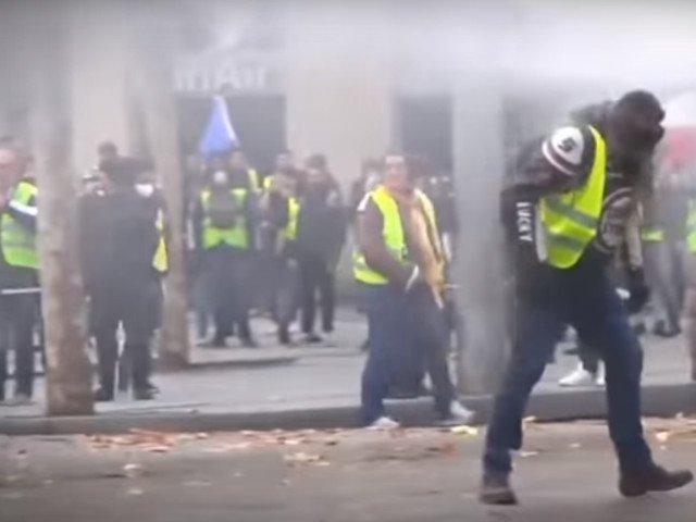 36 de statii de metrou si de gari au fost inchise sambata la Paris din cauza protestelor