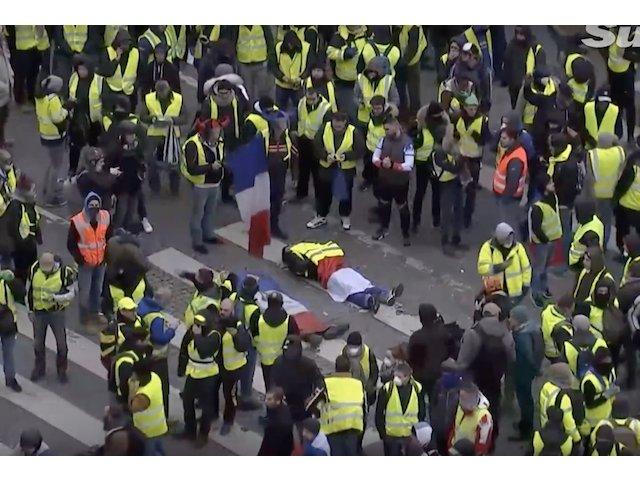 Stare de alerta in Paris. 700 de persoane retinute UPDATE