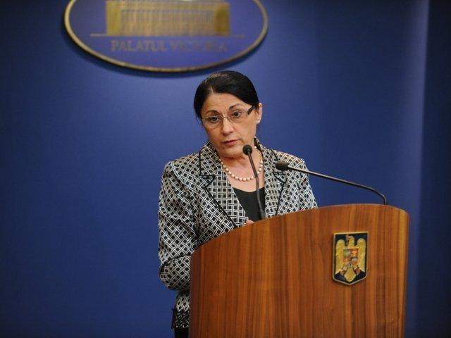 Andronescu: Imi doresc sa fac mai mult ca profesor si probabil din aceasta nefericita pozitie pe care o ocup