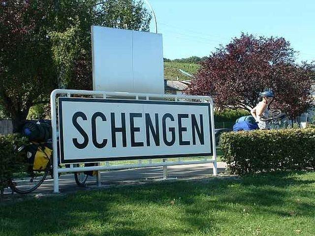 Parlamentul European a adoptat o noua rezolutie prin care solicita aderarea Romaniei si Bulgariei la Schengen