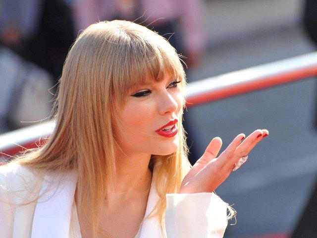 10 lucruri pe care nu le stiai despre Taylor Swift, artista care a doborat record dupa record