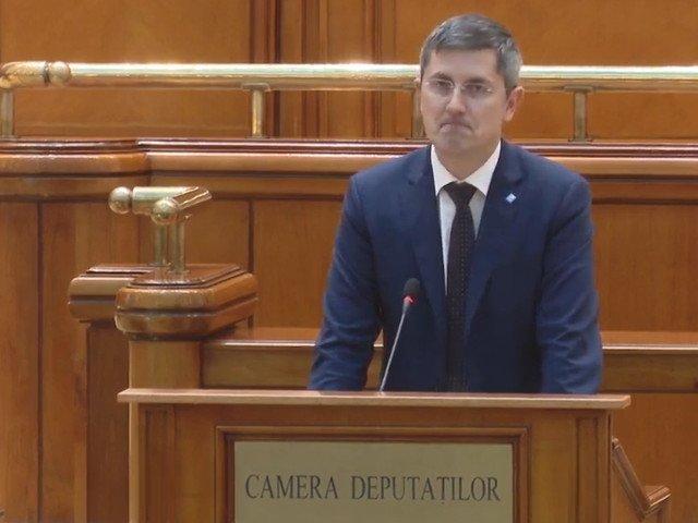 Barna: Romania, condusa de un infractor condamnat penal si de un premier care are dificultati sa citeasca