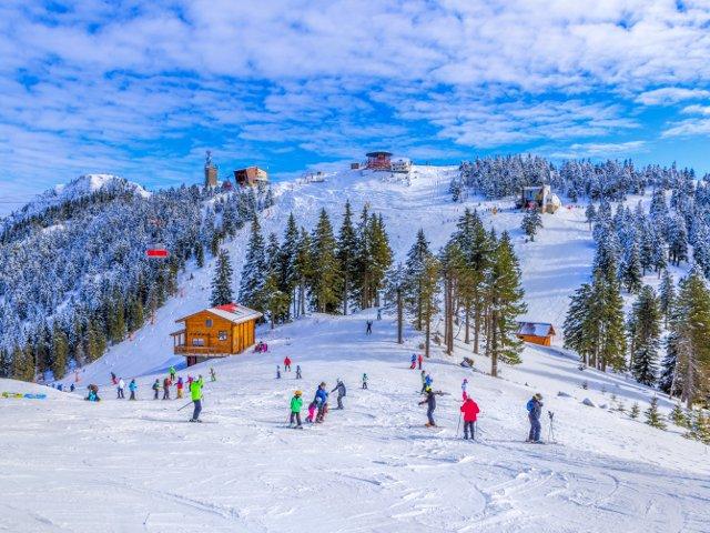 9 destinatii cu buget redus pentru iubitorii sporturilor de iarna si nu numai
