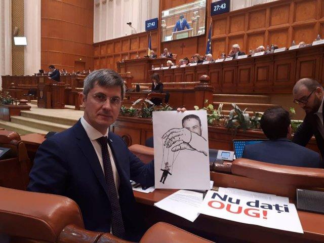 Barna: USR nu si-a atins scopul privind caderea Guvernului, dar va continua eforturile in acest sens