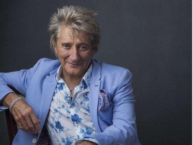 Rod Stewart, Elton John si Paul McCartney, printre vedetele care au publicat urari de Craciun pe internet
