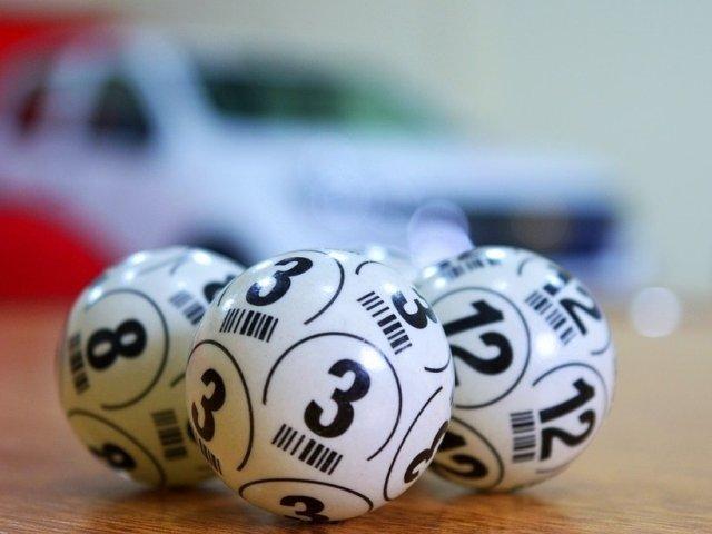 Un britanic a castigat 115 milioane de lire sterline la loteria de Anul Nou