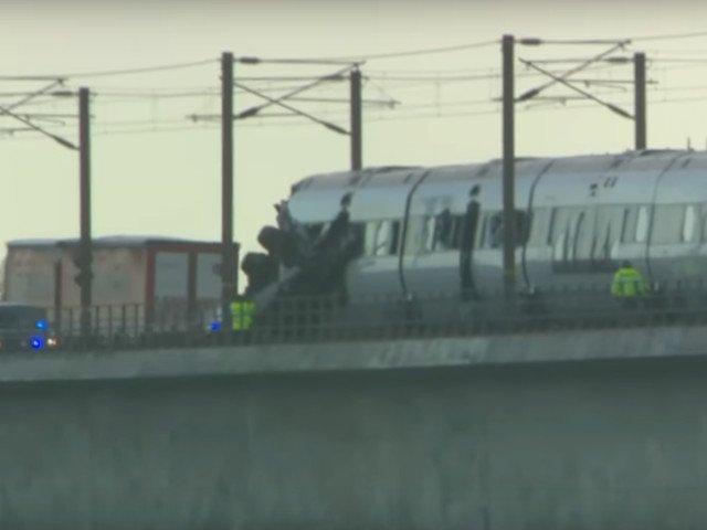 Mai multe persoane au murit in urma unui accident feroviar pe un pod din Danemarca