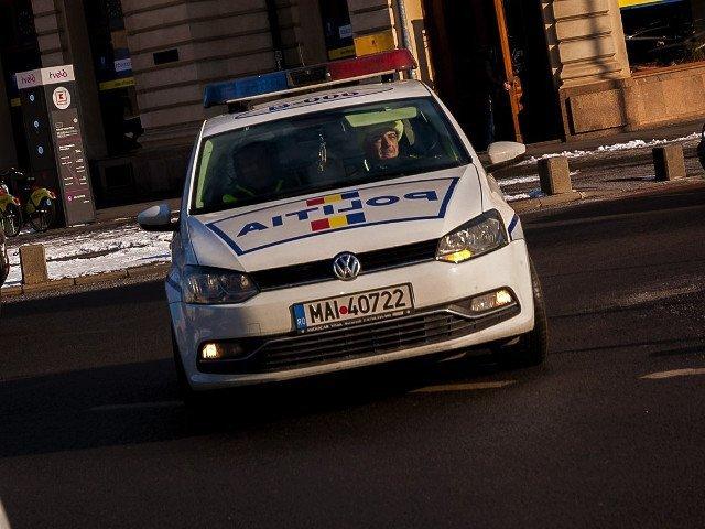 Un barbat fara adapost a fost gasit mort intr-o masina in centrul Capitalei