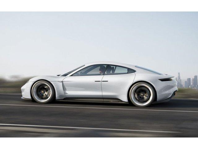 Electrica Porsche Taycan are priza la clientii Tesla: 50% dintre comenzi vin din partea acestora