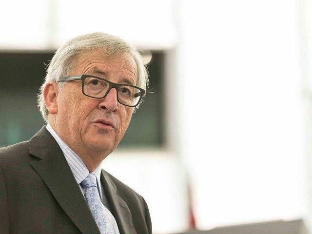 Comisia Europeana explica de ce Juncker foloseste avioane private