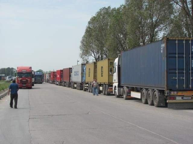 Transportatorii romani vor protesta joi in fata Parlamentului European