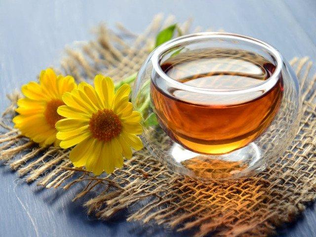 Remediul ideal pentru mahmureala si insomnii: 8 utilizari neobisnuite ale mierii