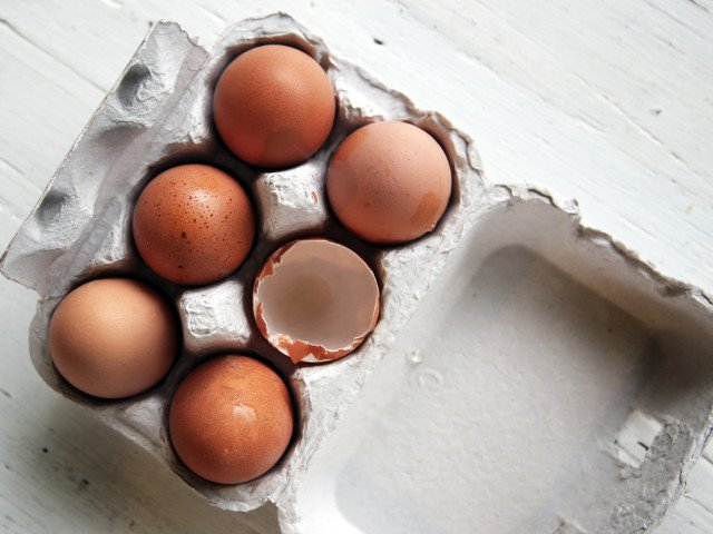 Peste 4 milioane de oua contaminate cu o substanta interzisa, descoperite in Teleorman