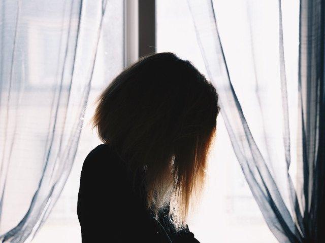 Un barbat si-a violat fiica in noaptea nuntii crezand ca este sotia lui