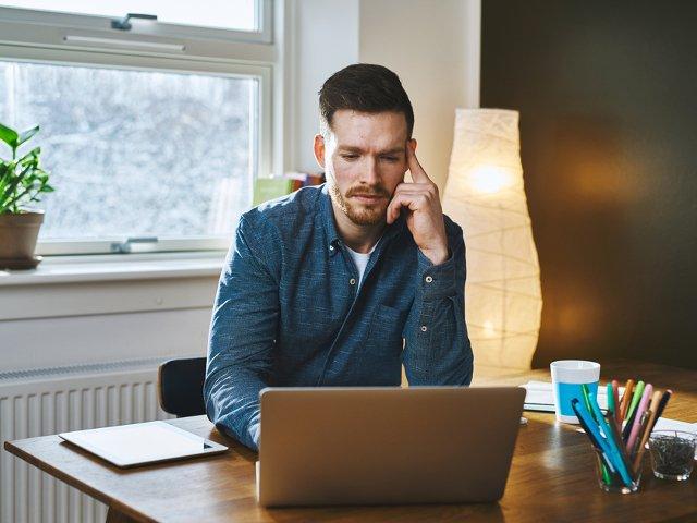 4 lucruri de care vei avea nevoie ca sa iti faci un birou de acasa