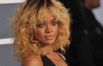 Motivul pentru care Rihanna si-a dat in judecata tatal