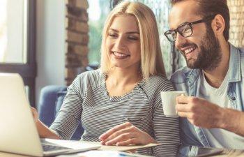 7 lucruri pe care sa nu le faci daca iesi cu un coleg de munca