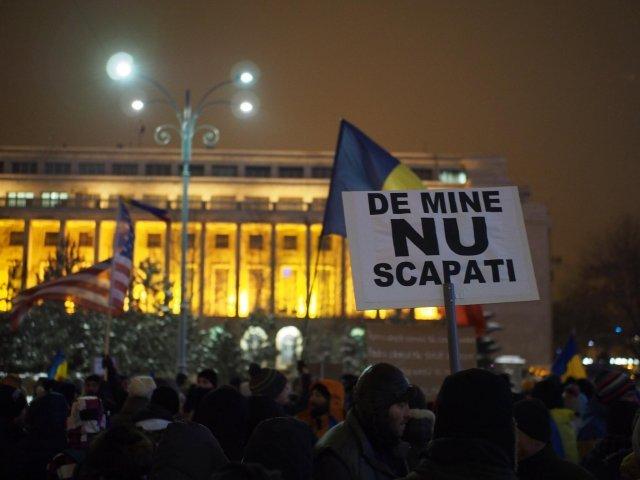 """Proteste anuntate luni in Piata Victoriei si in tara: """"Nu vrem Ordonanta pentru corupti"""""""
