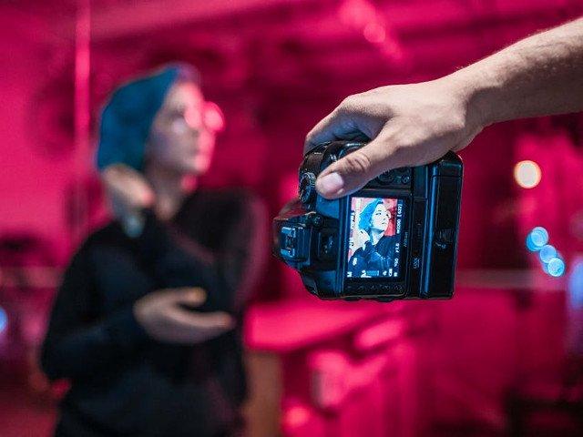 Cum sa faci o fotografie fara ca cineva sa clipeasca? 7 studii ridicole studiate de cercetatori de-a lungul timpului