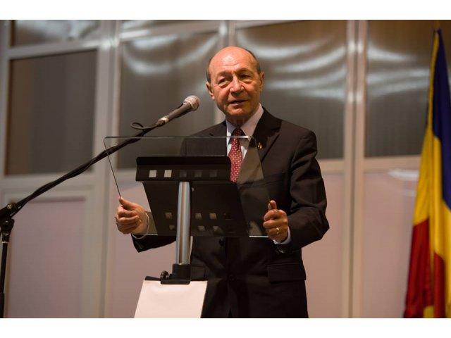 Basescu: PMP va avea candidat la prezidentiale, iar in turul doi il va sustine pe Klaus Iohannis