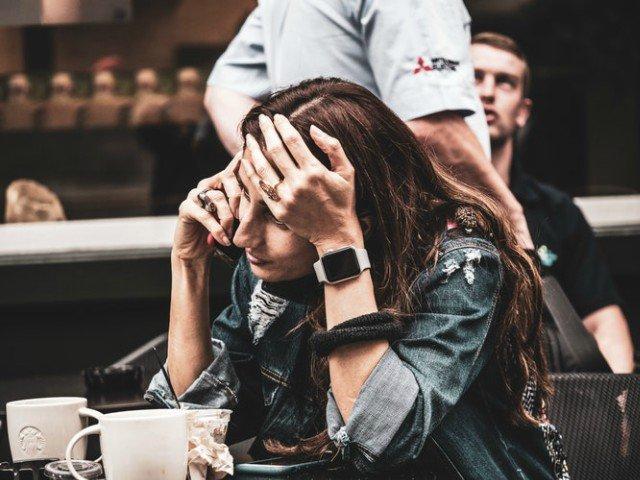 6 obiceiuri nesanatoase care iti afecteaza sanatatea mentala