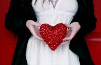 11 idei de cadouri inspirate pentru indragostiti de Valentine`s Day