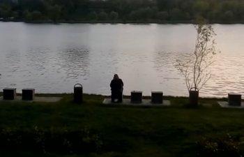 O mama si-a scapat caruciorul cu copil cu tot in lac, in parcul IOR