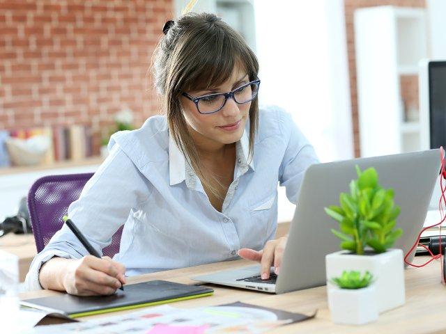 Accesoriile si gadgeturile care iti vor usura viata la birou